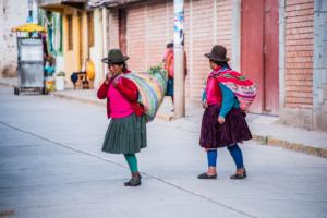 013-Peruvian lady cross the street